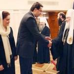 Lupu nu ratează ocazia să se închine Patriarhului Kiril