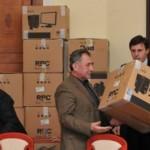 """Guvernul României a donat 20 de calculatoare liceului """"Lucian Blaga"""" de la Tiraspol"""