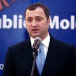 Vlad Filat: Angajaţii din ministerul Educaţiei care nu ştiu să facă reforme trebuie să plece