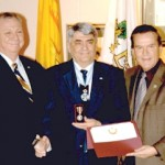 Consulul general onorific al României în Canada, prof. univ. Dr. Mircea Roman, a primit din partea Canadei Medalia Jubileul de Diamant al Maiestăţii Sale Regina Elisabeta a-II-a