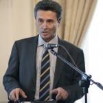 Excelenta Sa, Ion Jinga, Ambasadorul României în U.K. a primit distincţia de ,,DIPLOMATUL ANULUI 2012″