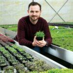 Pentru Cristian Tudor, Microgreens era până anul acesta o afacere cu venituri mari, obținute din plante foarte mici. Pandemia a schimbat însă dimensiunile realității