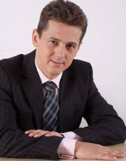 Adrian Luca: Țară, țară vrem … consultanți și salariu minim de 2,000 de euro